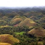 <b>Chocolate Hills - Touring Bohol</b>