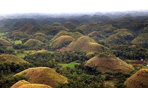 chocolate-hills-bohol-philippines300.jpg